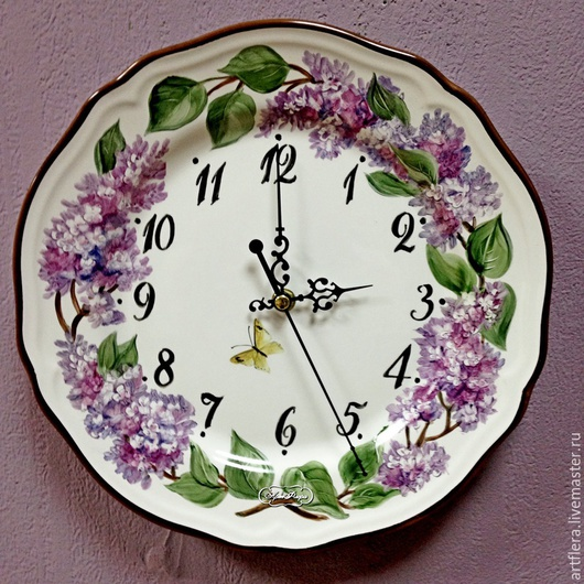 Часы для дома ручной работы. Ярмарка Мастеров - ручная работа. Купить Роспись фарфора  Часы Сирень лиловая. Handmade. Фиолетовый