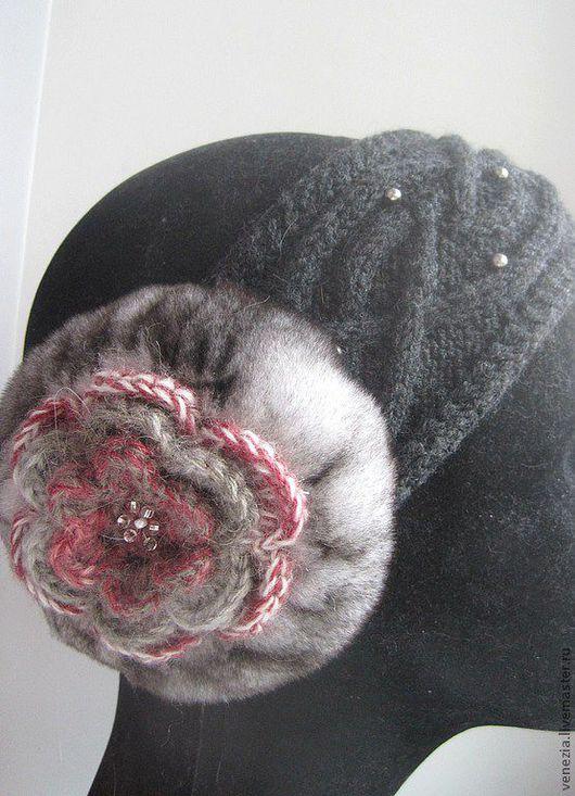 цвет:т.серый/беж-серо-розовый цветок\r\n3000 руб\r\nв наличии