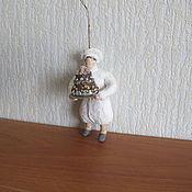 Подарки к праздникам ручной работы. Ярмарка Мастеров - ручная работа Повар. Ватные елочные игрушки. Handmade.