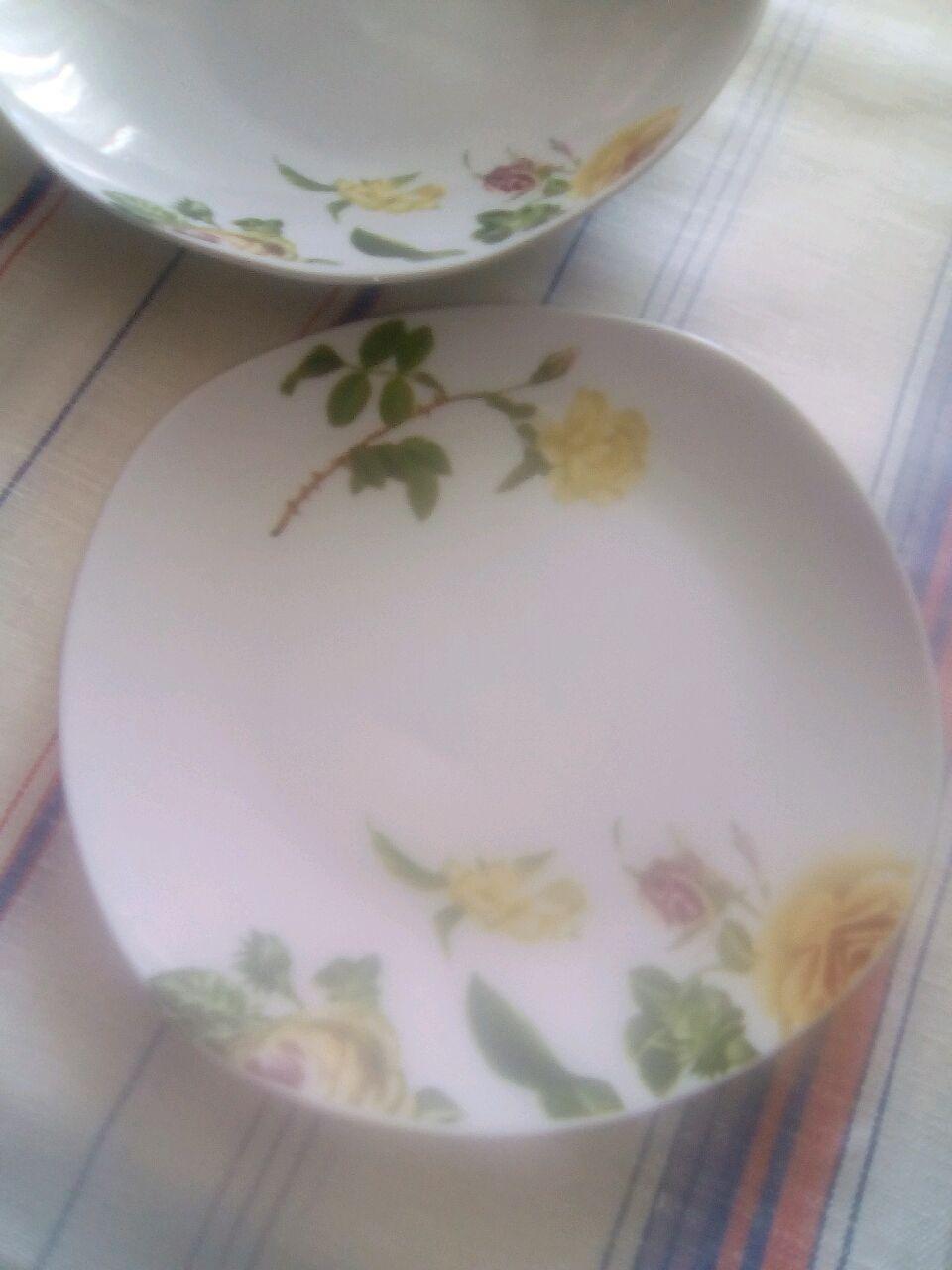 Винтаж: Набор из трёх фарфоровых тарелок оригинальной формы с ореаментом- Розы, Сервизы винтажные, Софрино,  Фото №1