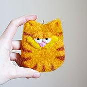 Куклы и игрушки ручной работы. Ярмарка Мастеров - ручная работа Кот Гарфилд - войлочный кот - войлочная игрушка-подвеска. Handmade.
