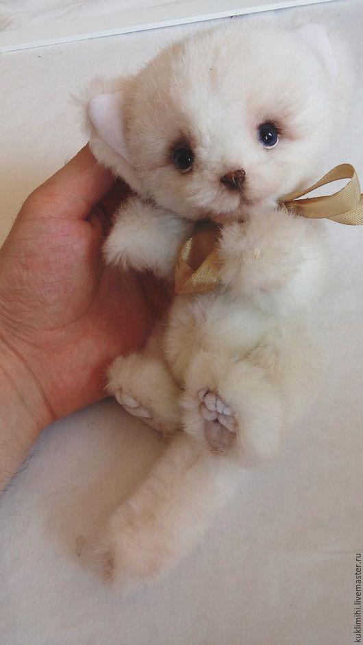Мишка тедди `Песец. Милая кошечка` от  мастерской `Куклы-мишки` Ольги Рыжовой принесет радость и счастье Вам и Вашим близким.