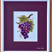 """Картины и панно ручной работы. Ярмарка Мастеров - ручная работа Вышитая картина """"Гроздь винограда"""". Handmade."""