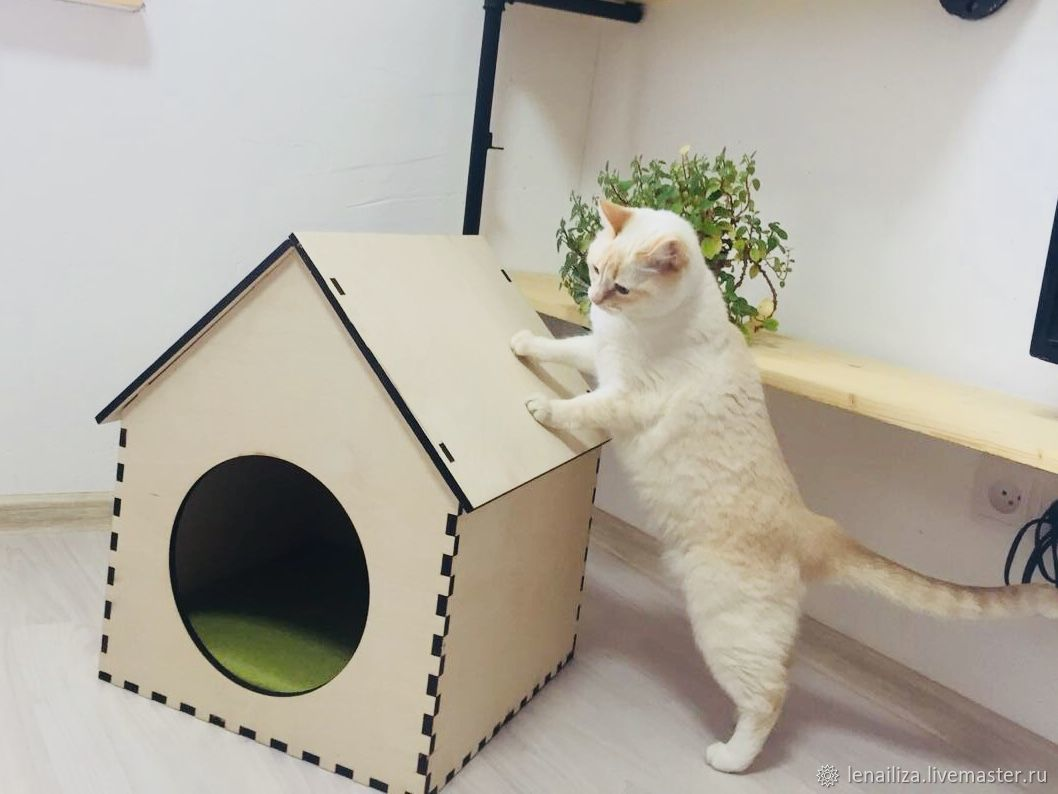 Домик для животных с крышей