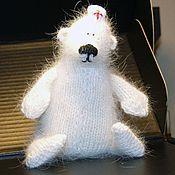 Куклы и игрушки ручной работы. Ярмарка Мастеров - ручная работа Медведь белый, вязаный. Handmade.
