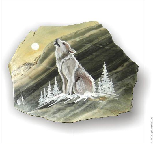 Роспись по камню ручной работы. Ярмарка Мастеров - ручная работа. Купить Сувенир из камня  Яшма Магнит роспись по камню Волк. Handmade.