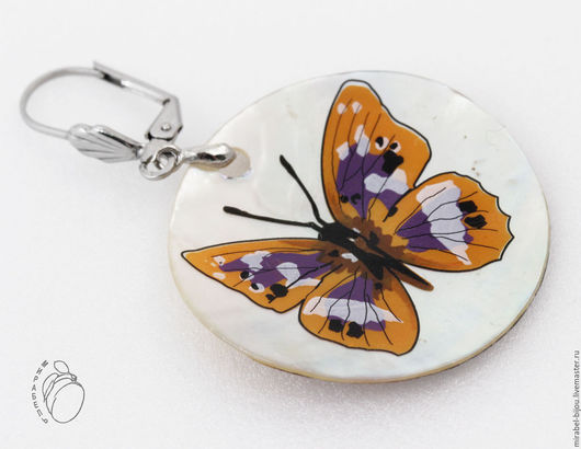 Мирабель-бижутерия. Круглые крупные серьги с подвесками из натурального перламутра с рисунком бабочкой, под бронзу, фото. Купить серьги в Москве. Mirabelle. Handmade. earrings pearl butterfly pattern