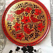 Русский стиль handmade. Livemaster - original item Decorative plate with Khokhloma painting Birds in currant. Handmade.