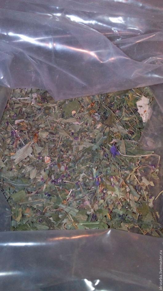 Сбор сушеных травок очень ароматный, тонизирующий, приятный и полезный. Для чая и умывания. Для чая продается в одноразовых хлопковых мешочках. Есть сушеный шиповник, облепиха, жасмин. 3 руб. за 1г