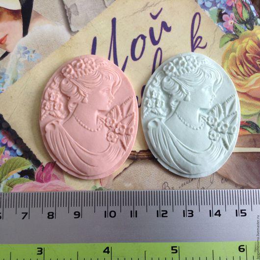 Камея `Курносая`, 5,2 х 3,9 см