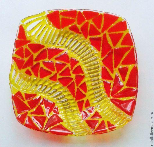 """Тарелки ручной работы. Ярмарка Мастеров - ручная работа. Купить Стеклянная тарелка """"Абстракция 3"""". Handmade. Тарелка, Тарелка декоративная"""