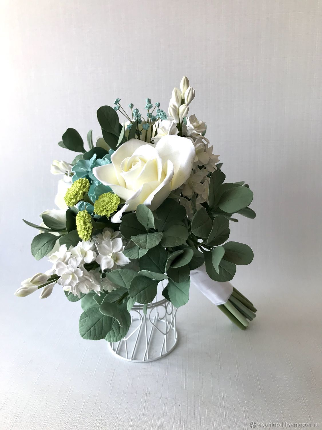 Wedding bouquet of the bride with white roses and eucalyptus, Wedding bouquets, Voskresensk,  Фото №1