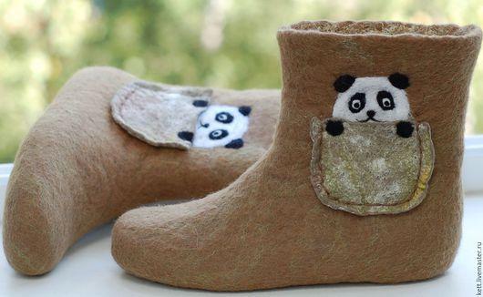 """Обувь ручной работы. Ярмарка Мастеров - ручная работа. Купить Валяные сапожки для дома Размер 38  """"Панда"""" валенки домашние тапки. Handmade."""