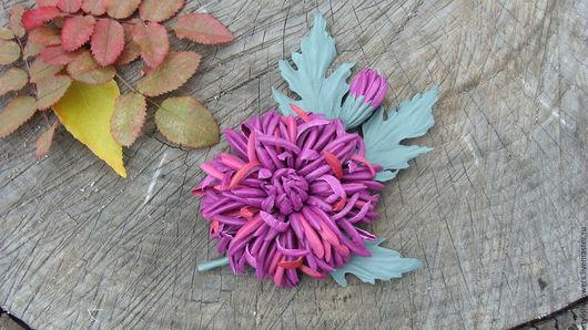 Цветы ручной работы. Ярмарка мастеров - ручная работа. Брошь из кожи хризантема. Купить цветы из кожи.