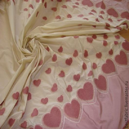 вышивка на тафте сток MONNALISA , Италия хлопок+ п/э шир. 150 см цена 2200 р цвет абрикосовый-золотисто бежевый вышивка по обеим кромкам легкая, тонкая, хорошо держит форму