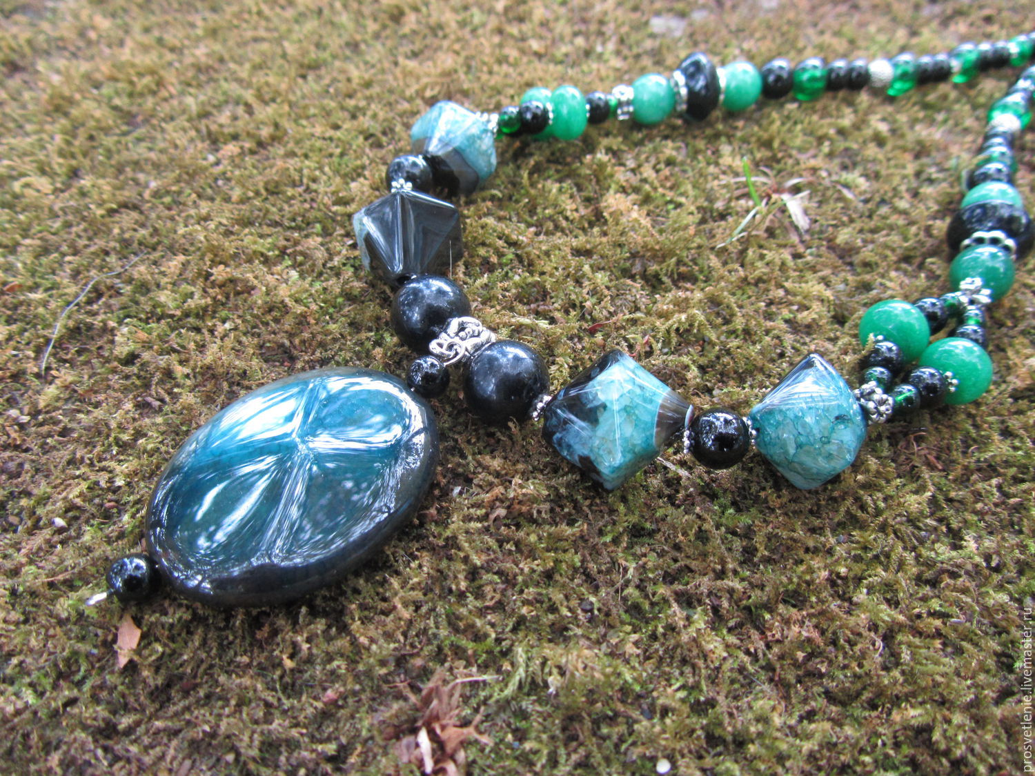 Spectacular decoration handmade necklace made of natural stones, charming decoration necklace is made of natural stones, elegant necklace jewelry made of stones, the necklace decoration of natural sto
