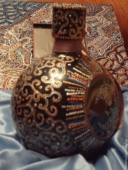 Персональные подарки ручной работы. Ярмарка Мастеров - ручная работа. Купить Подарочный комплект  зеркало и бутылка под коньяк Золото инков. Handmade.
