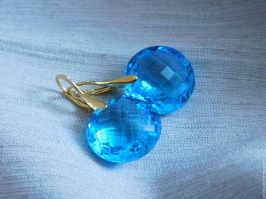 Серьги ручной работы. Ярмарка Мастеров - ручная работа. Купить Позолоченные серьги с голубыми топазами. Handmade. Синий, топазы, серебро