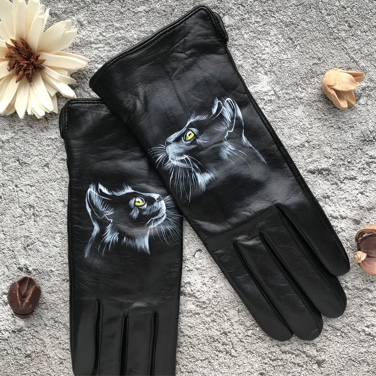 Gloves with 'cat' painting», Gloves, Moscow,  Фото №1