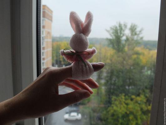 Развивающие игрушки ручной работы. Ярмарка Мастеров - ручная работа. Купить зайчик на пальчик. Handmade. Розовый, зайчик на пальчик