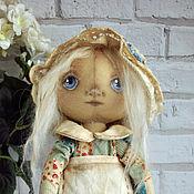 Куклы и игрушки ручной работы. Ярмарка Мастеров - ручная работа Кукла текстильная интерьерная Лоскуток голубой фартук чепчик. Handmade.
