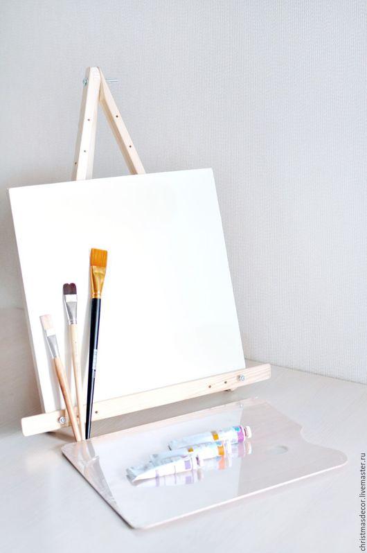 Мольберт для художника, или как его по другому называют - тренога. Данный мольберт - это портативная модель, удобен и компактен в использовании. Мольберт для художника, купить мольберт недорого