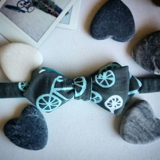Галстуки, бабочки ручной работы. Ярмарка Мастеров - ручная работа. Купить Детская двусторонняя галстук-бабочка Велосипеды. Самовяз.. Handmade.