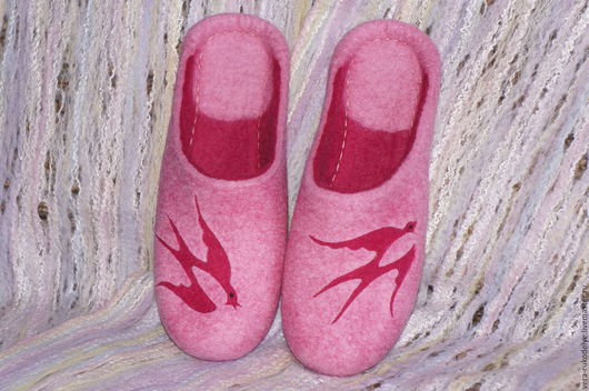 """Обувь ручной работы. Ярмарка Мастеров - ручная работа. Купить Тапочки валяные """"Песня о счастье"""". Handmade. Валяная обувь"""