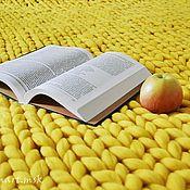 """Для дома и интерьера ручной работы. Ярмарка Мастеров - ручная работа Плед """"Солнечно-желтый"""" L из шерсти мериноса. Handmade."""