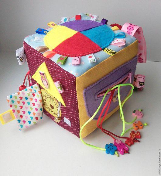 Развивающие игрушки ручной работы. Ярмарка Мастеров - ручная работа. Купить Развивающий кубик. Handmade. Разноцветный, для малышей, фурнитура
