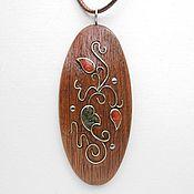 Украшения ручной работы. Ярмарка Мастеров - ручная работа Кулон из дерева с кораллом. Handmade.