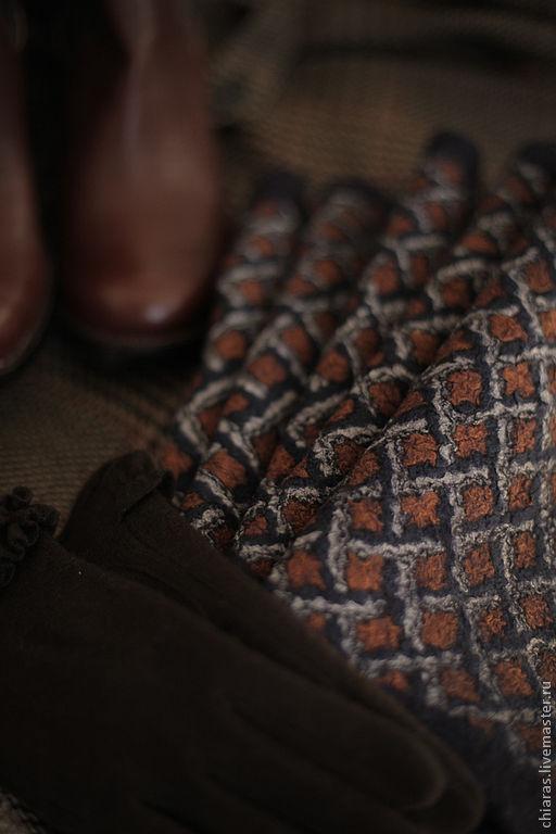 """Шарфы и шарфики ручной работы. Ярмарка Мастеров - ручная работа. Купить авторский мерино-шелковый шарф ручной работы""""изображая Холмса"""". Handmade."""