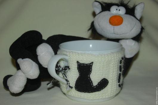 """Кухня ручной работы. Ярмарка Мастеров - ручная работа. Купить Обвязанная чашка (грелка на чашку) """"Черные коты"""". Handmade."""