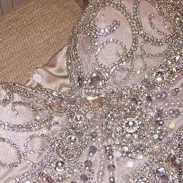 Одежда ручной работы. Ярмарка Мастеров - ручная работа Платье с кристаллами, стразами и жемчугом  Сaroline детали. Handmade.
