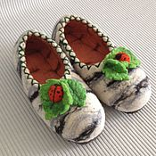 """Обувь ручной работы. Ярмарка Мастеров - ручная работа валяные тапочки """"березка"""" сделаю на заказ. Handmade."""