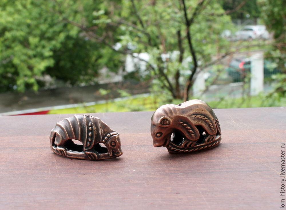 Медведь и россомаха / бронза / статуэтка