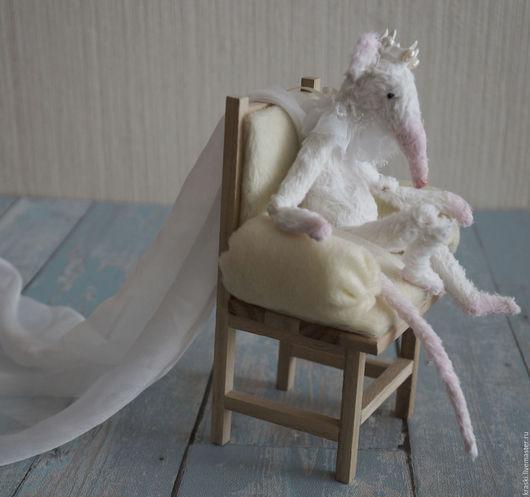 Куклы и игрушки ручной работы. Ярмарка Мастеров - ручная работа. Купить Я в замке король. Handmade. Белый, одиночество