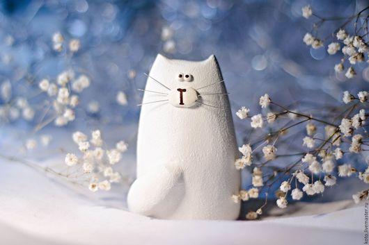 Персональные подарки ручной работы. Ярмарка Мастеров - ручная работа. Купить Статуэтка кот / кошка белый - подарок на 8 марта. Handmade.