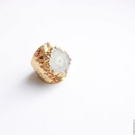 Кольца ручной работы. Ярмарка Мастеров - ручная работа. Купить Кольцо позолоченное с белым кварцем. Handmade. Белый, стильное кольцо