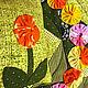 Хоровод ярких цветов делает неповторимым это лоскутное одеялко для куклы