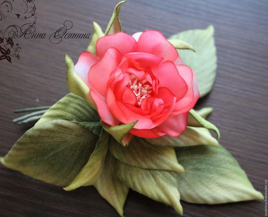 Броши ручной работы. Ярмарка Мастеров - ручная работа. Купить Брошь роза из натурального шелка. Handmade. Ярко-красный, брошь