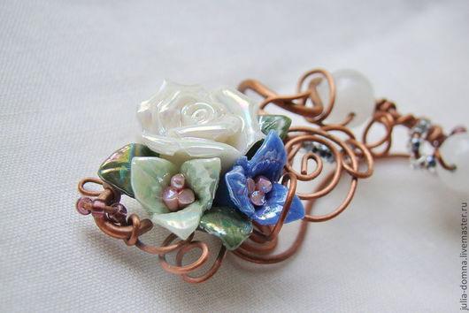 кафф с цветами и чешским стеклом  Julia  Domna