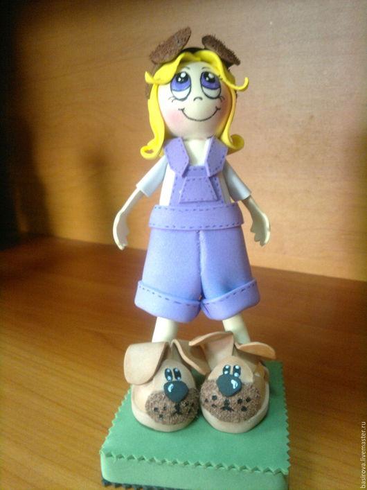 Человечки ручной работы. Ярмарка Мастеров - ручная работа. Купить Куклы из фоамирана Девочки в тапочках. Handmade. Комбинированный, желтый