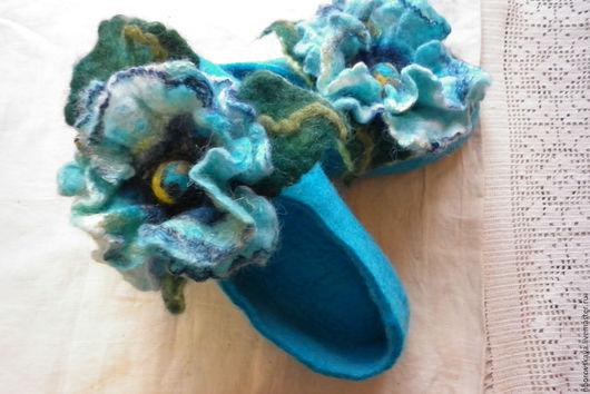 Обувь ручной работы. Ярмарка Мастеров - ручная работа. Купить Тапочки валяные из шерсти Бирюзовый мак. Handmade. Бирюзовый