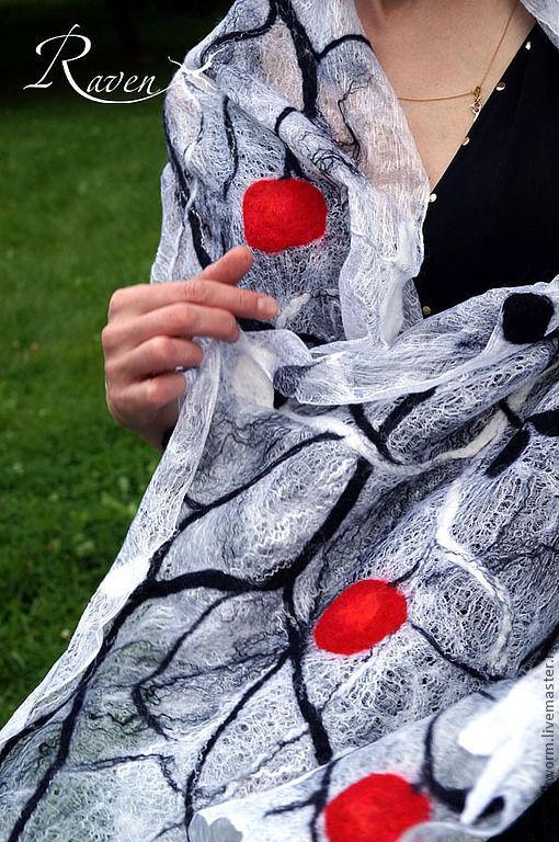 """Шали, палантины ручной работы. Ярмарка Мастеров - ручная работа. Купить """"Королевский сад"""" палантин летний валяный. Handmade. невесомый"""