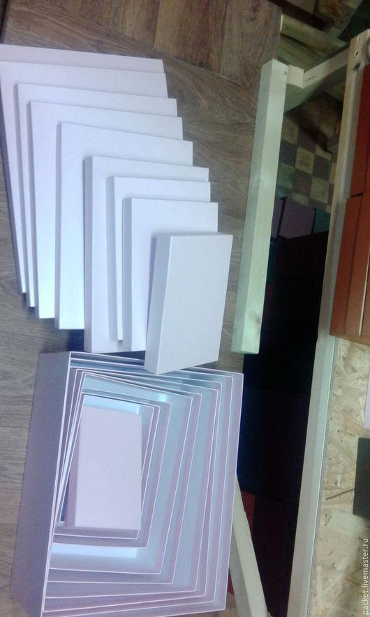 Коробочка из картона и дизайнерской бумаги. Цвета в ассортименте.