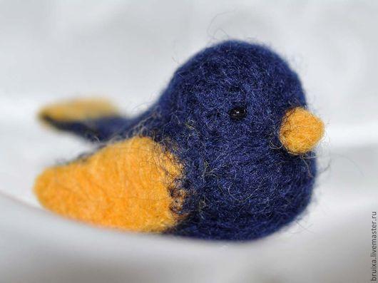 """Броши ручной работы. Ярмарка Мастеров - ручная работа. Купить Брошка """"Синяя птица счастья"""". Handmade. Тёмно-синий, подарок"""