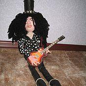 Куклы и игрушки ручной работы. Ярмарка Мастеров - ручная работа куклы на заказ музыкант SLASH GUN,N,ROSES. Handmade.