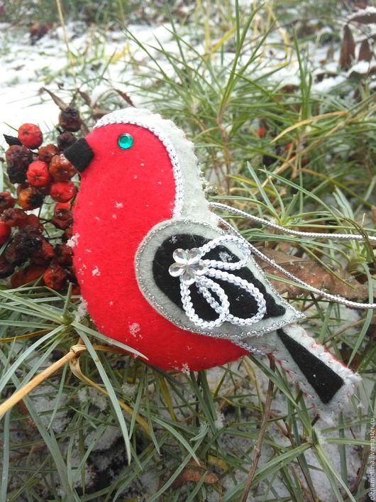 Новый год 2017 ручной работы. Ярмарка Мастеров - ручная работа. Купить новогодняя подвеска Снегирь. Handmade. Ярко-красный, птицы