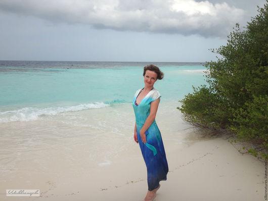 Мальдивы шелковое платье с ручной росписью из натурального атласа Батик мужская и женская шелковая одежда с ручной росписью Шелковые Штучки Петербург